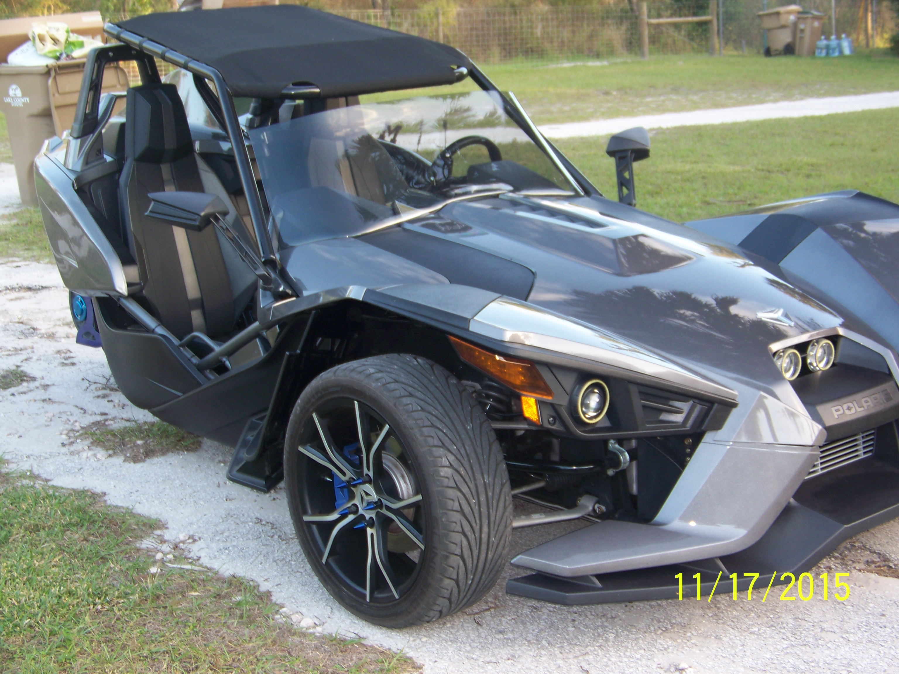 twist dynamics 100_1003jpg - Polaris Slingshot Roof