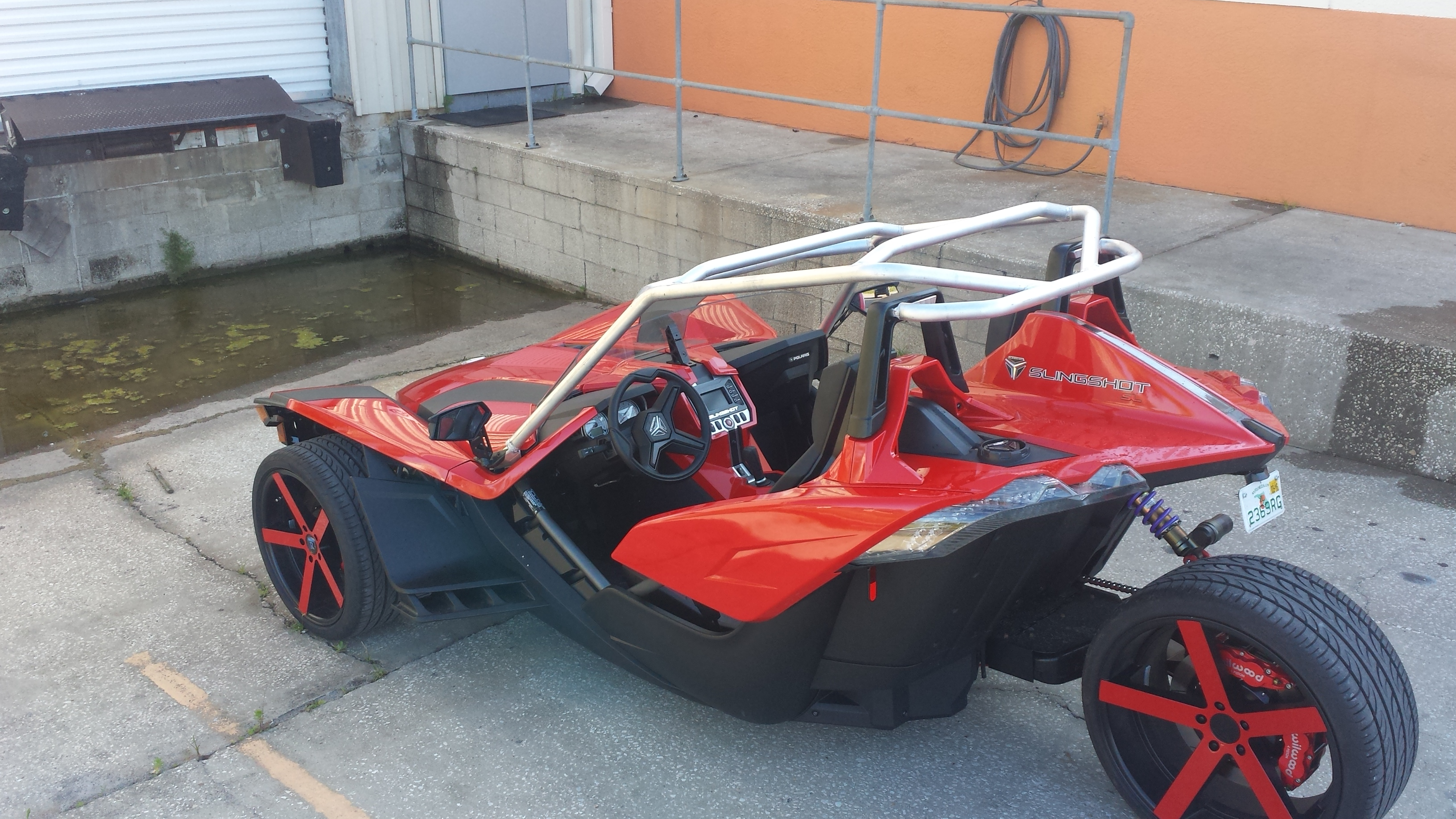 curious what everyone thinks view attachment 10685 - Polaris Slingshot Roof